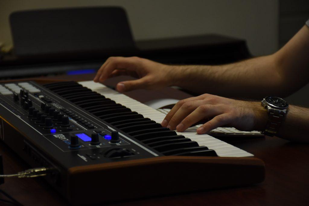 De eindeloze mogelijkheden van de MIDI controller